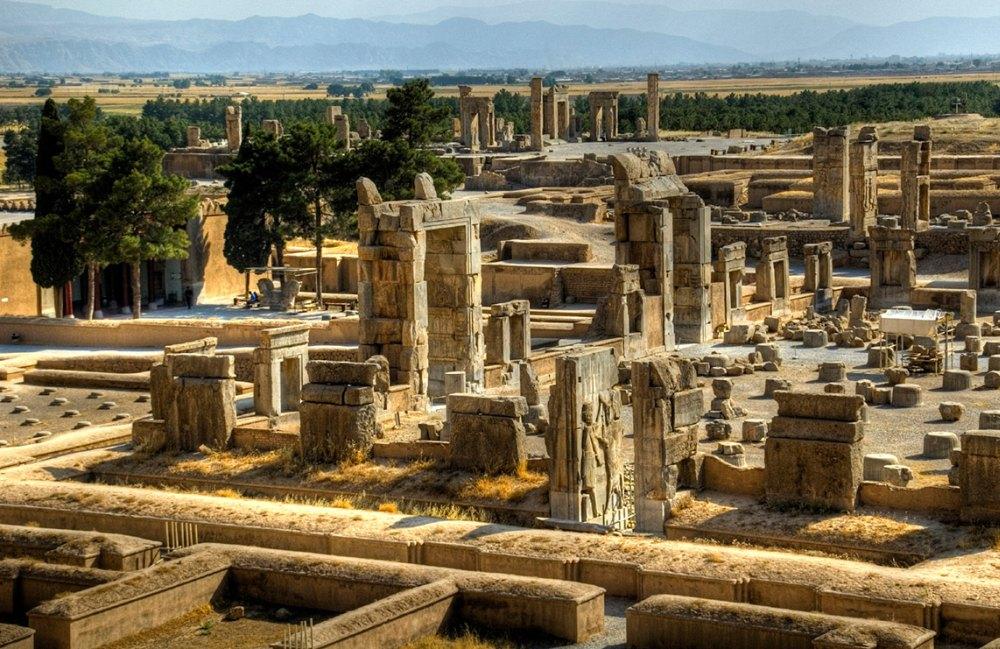 Персеполь, руины древнего города