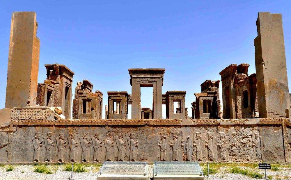 Руины дворца в Персеполисе