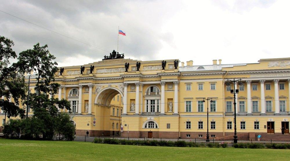 Здание Адмиралтейства, сейчас Главное командование ВМФ РФ