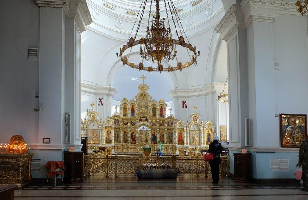 Собор Успения Пресвятой Богородицы внутри