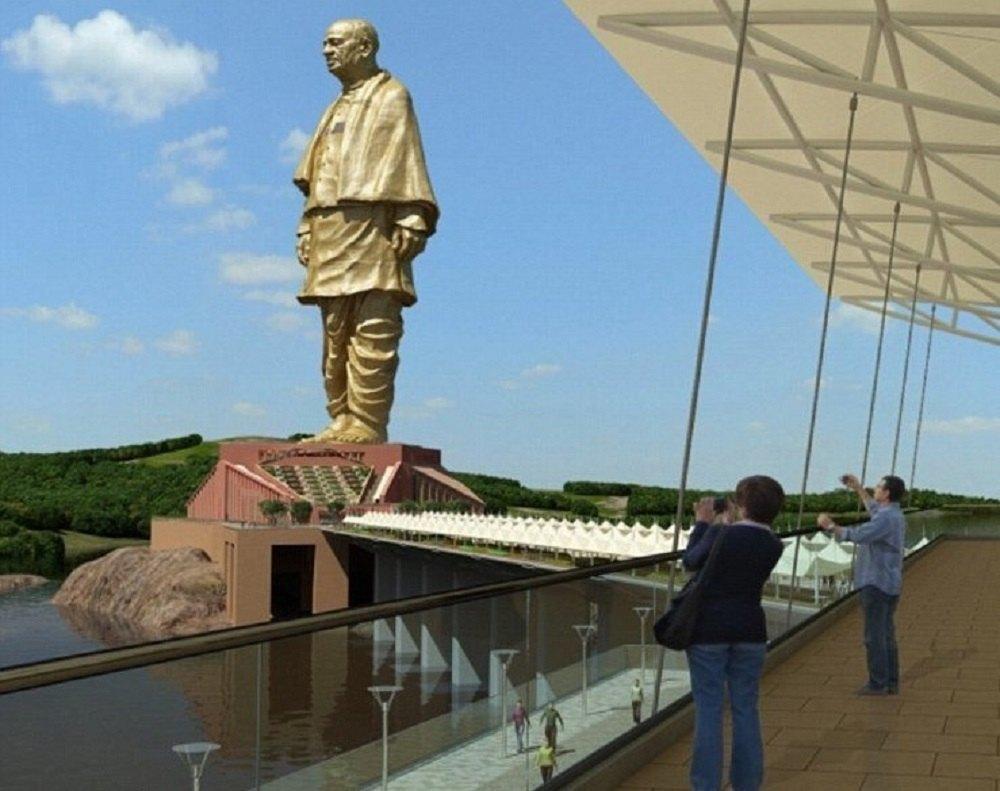 Высота статуи Единства – 240 м