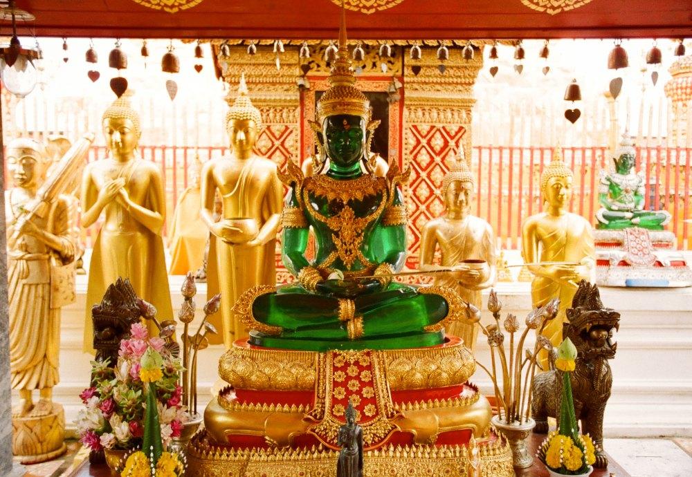 Изумрудный Будда в храме