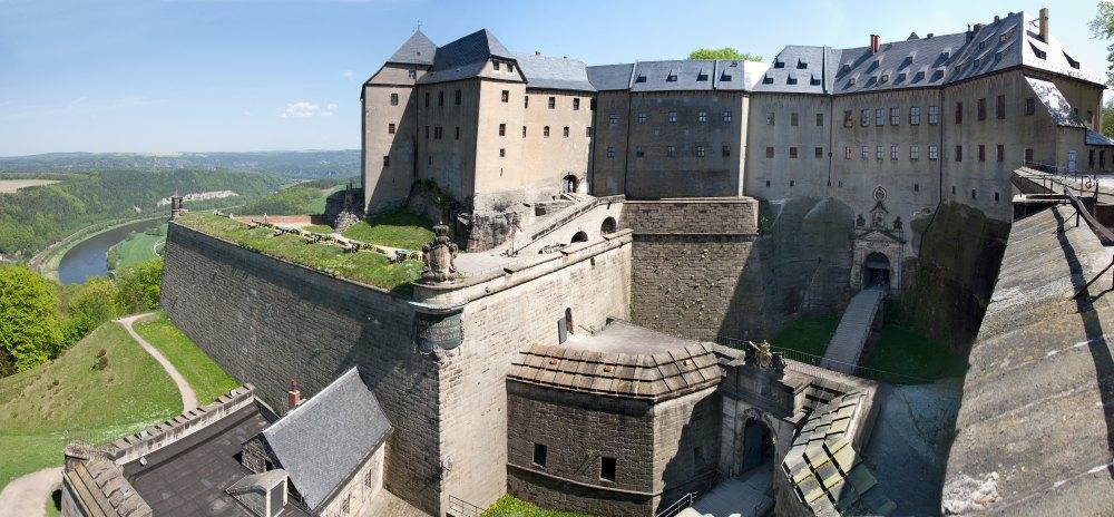 Солдаты и офицеры жили в крепости с семьями