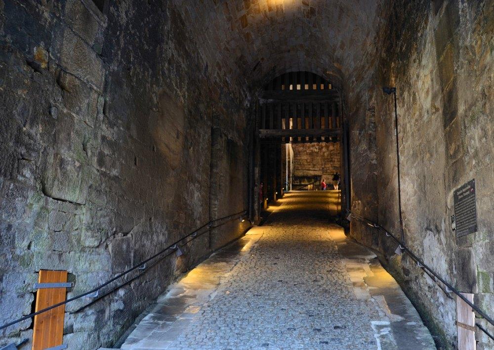 Проход внутри крепостного сооружения