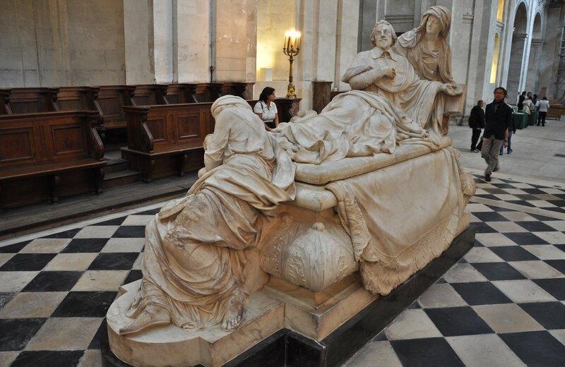 Мраморное надгробие кардинала Ришелье