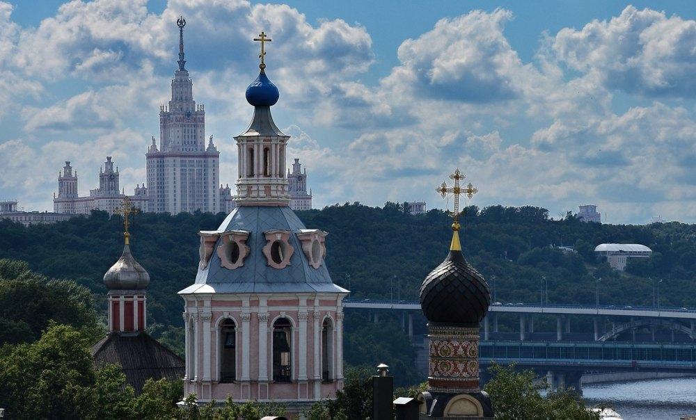 Купола храмов Андреевского монастыря