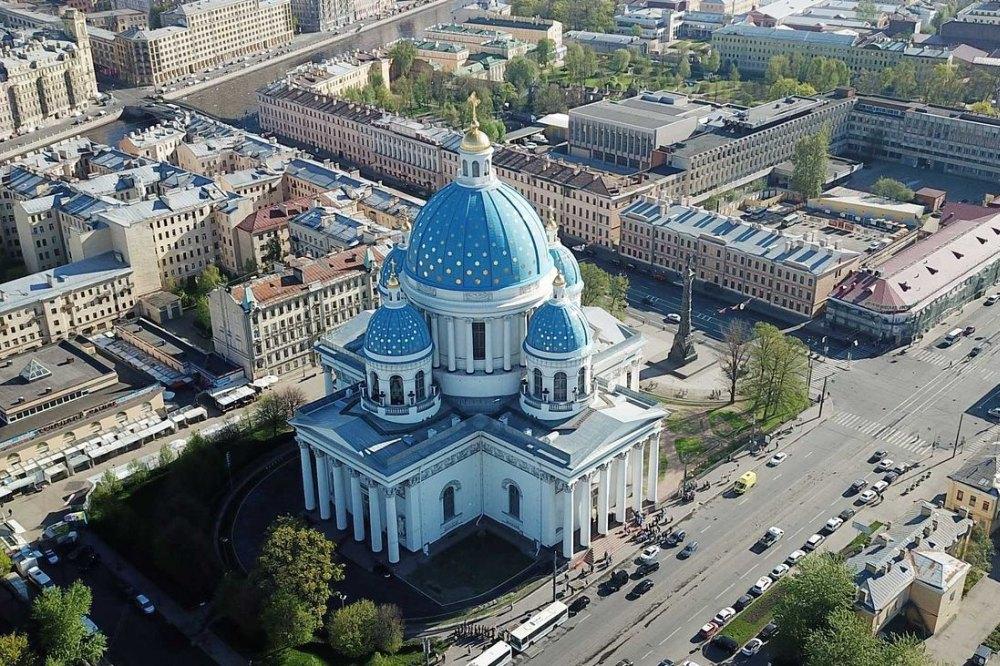 Общий вид Троице-Измайловского собора в Санкт-Петербурге