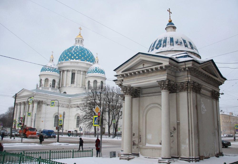 Храм вмещает 3000 верующих