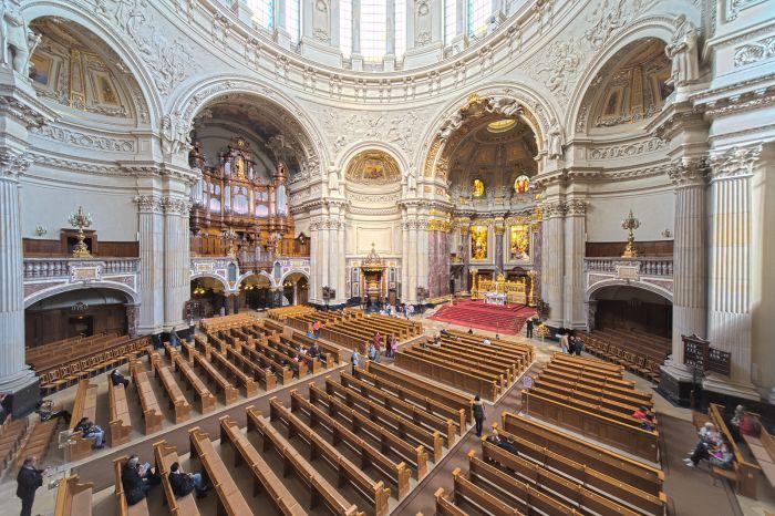 В соборе великолепная акустика