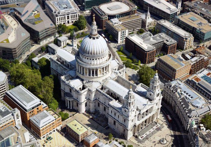 Храм в современном Лондоне