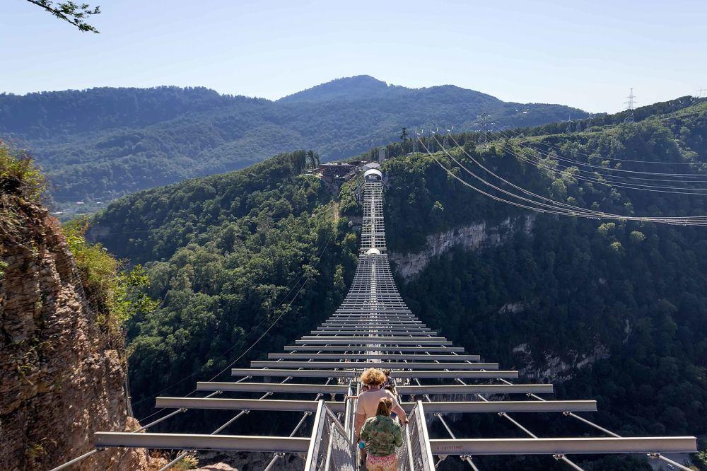 Самый длинный в России подвесной пешеходный мост