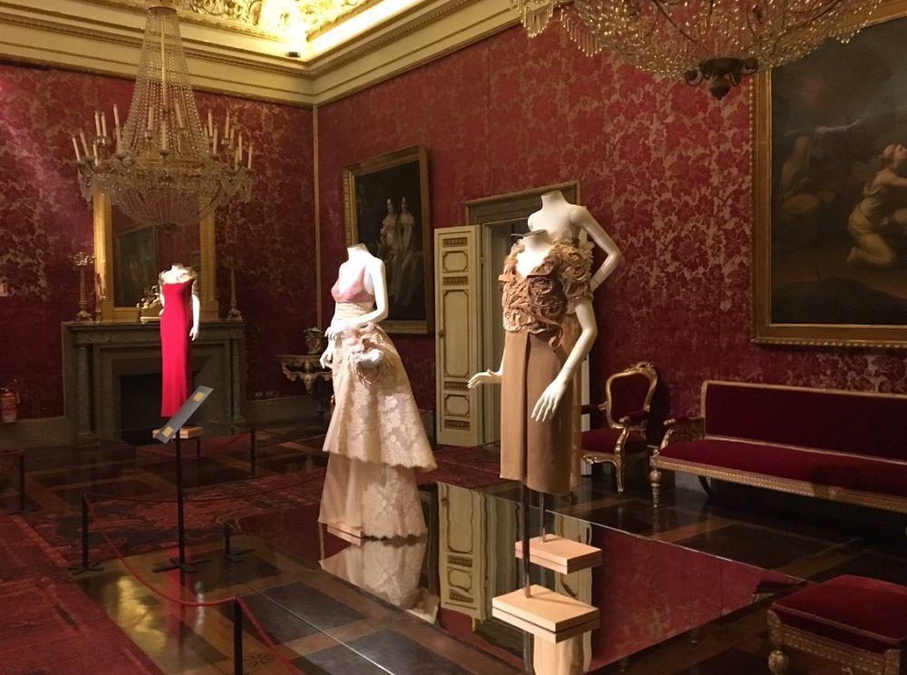 Экспонаты музея костюмов